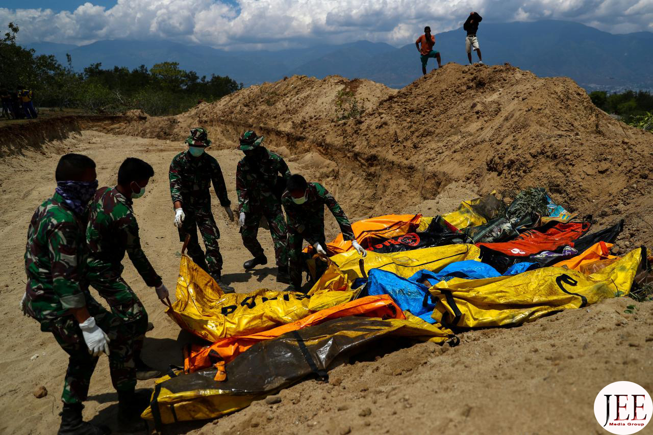 Mass Burial of Tsunami Earthquake Victims in Palu
